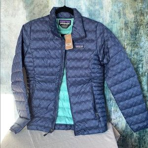 Patagonia BNWT xs w's Down Sweater.  Beryl Green